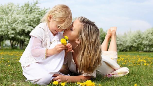 Meita aug bez tēva. Riski un daži audzināšanas noslēpumi