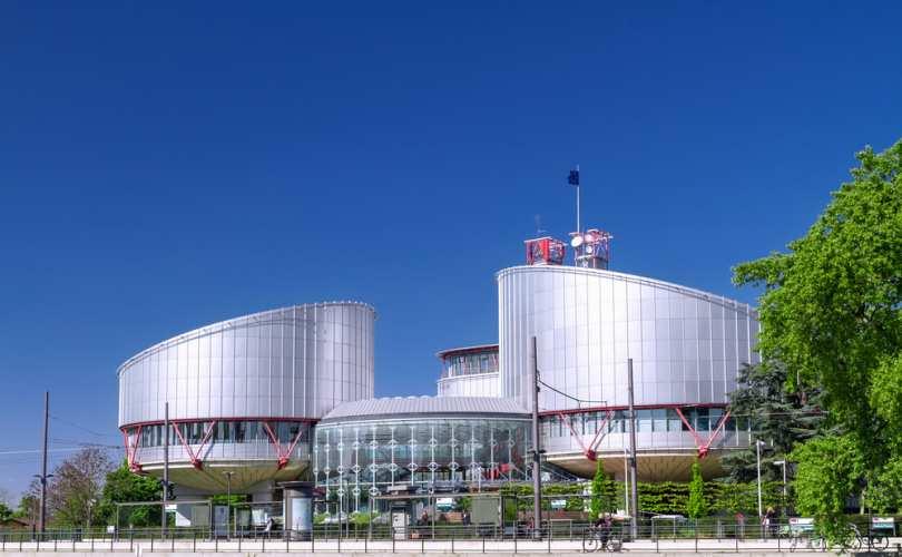 """Eiropas Cilvēktiesību tiesa vienprātīgi apliecina: Cilvēktiesību konvencijā nepastāv tiesības uz viendzimuma """"laulībām"""""""